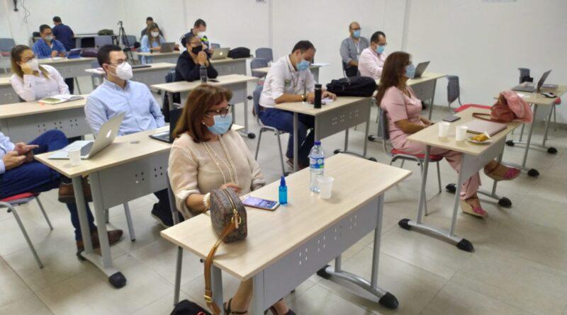 Cooperativas de vendedores ambulantes formalizadas por la Alcaldía de Cúcuta serán financiadas